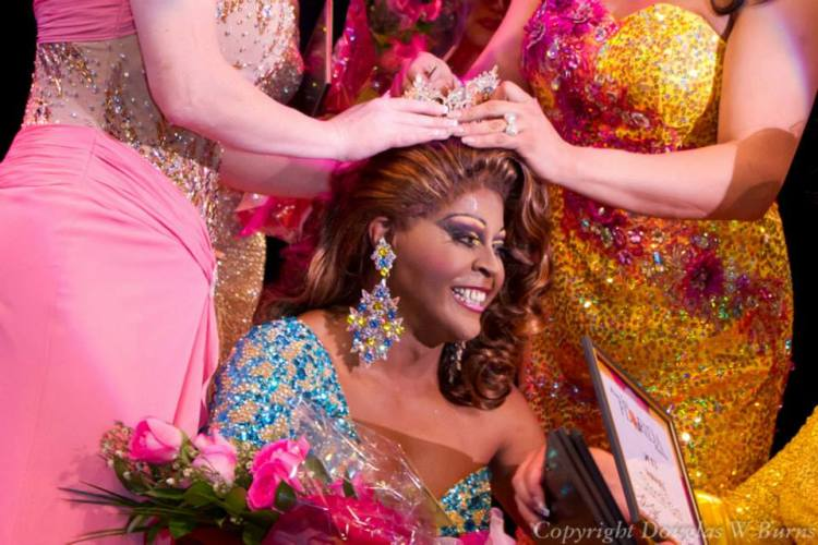 miss_gay_florida_2013_sharde_ross_crowning